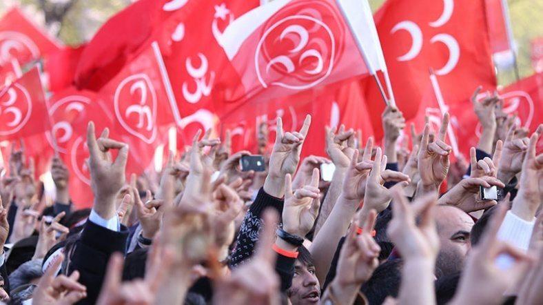 MHP'liler başkanlık sistemi konusunda AKP'liler gibi düşünüp davranırsanız milliyetçilik oyununa ortak olacaksınız, unutmayın!