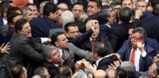 TBMM'de gergin gece: Milletvekilleri arasında arbede yaşandı
