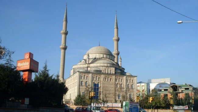 Camide evet propagandası: Cemaatten imama tepki