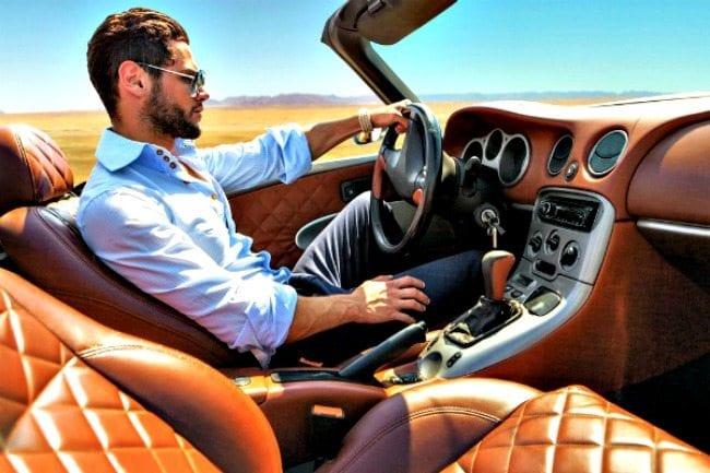 kadınlar erkekler araba kullanma direksiyon becerisi