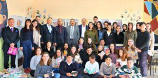 Kocaeli Üniversite öğrencileri Tokat Zile'de kütüphane kurdu