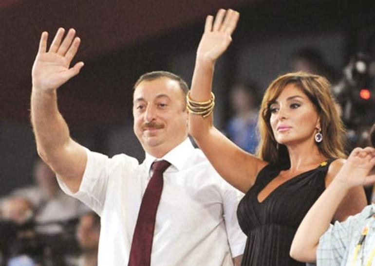Azerbaycan Cumhurbaşkanı İlham Aliyev, eşi Mihriban Aliyeva'yı cumhurbaşkanı birinci yardımcılığı görevine getirdi.