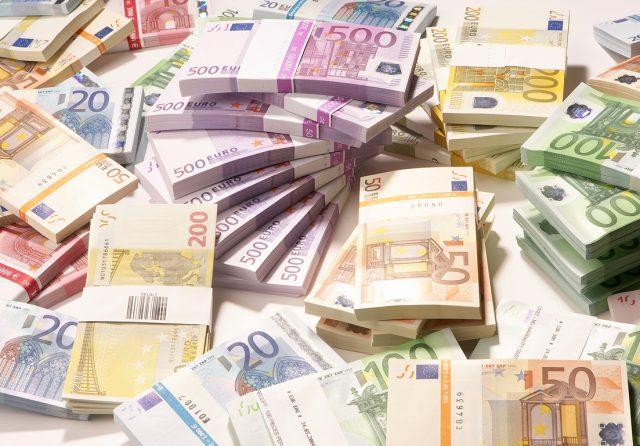 Avrupa Birliği'nin Türkiye'ye ödemekle yükümlü mali yardım kesildi!