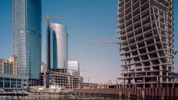 Bakü'de petrol parasıyla Paris inşa ediyorlar