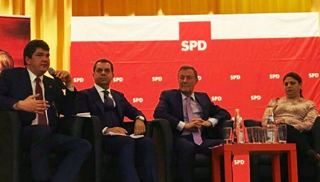 CHP ve SPD'den ortak panel: Kadın hakları ve demokrasi