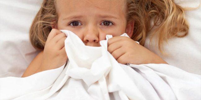 Çocuklarda korku duygusu neden kaynaklanır? Ebeveynler neler yapmalı?