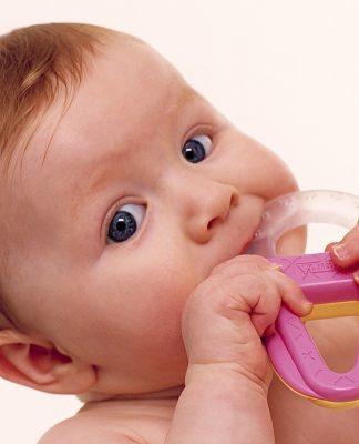 Diş çıkarırken bebeğinize nasıl yardımcı olursunuz?
