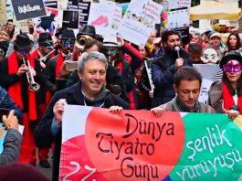 Dünya Tiyatro Günü Yürüyüşü - Kadıköy Tiyatrolar Platformu