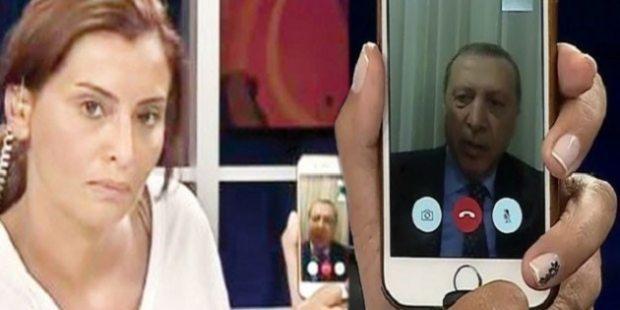 15 Temmuz darbe girişiminden sonra dönemin CNN Türk Ankara Temsilcisi Hande Fırat'ın Cumhurbaşkanı Erdoğan'ı ilk kez iPhone canlı bağlantısıyla CNN Türk ekranına çıkarması