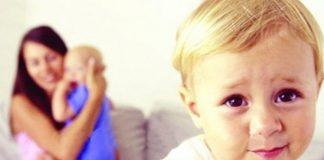 Kardeş kıskançlığını önlemek için neler yapılabilir?