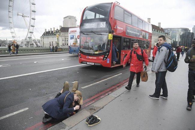 Londra terör saldırısından ilk görüntüler parlamento westminister ingiltere