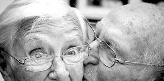 10 Maddede uzun ilişkilerin sırrı nedir?