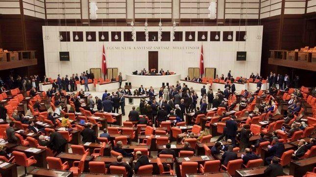 Anayasa değişikliği ile 18 yaşında olan gençlerin milletvekili seçilmesi