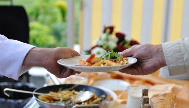 Yemek firması seçerken nelere dikkat edilmeli? catering şirketleri