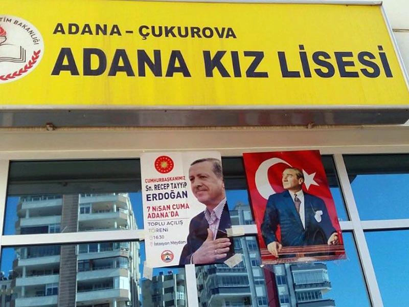 Adana Kız Lisesi öğrencileri Atatürk fotoğraflarının indirilmesine isyan etti