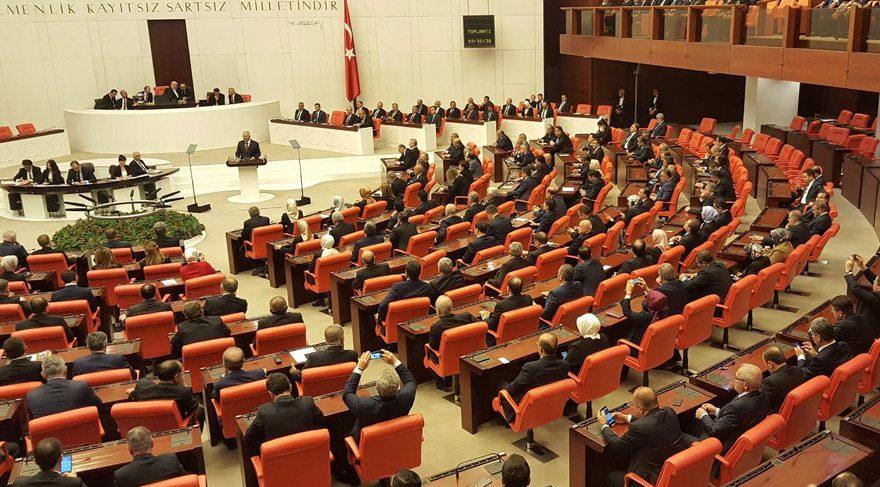 Ulusal Egemenlik ve Çocuk Bayramı'nda TBMM'de Atatürk tartışması ismail kahraman levent gök