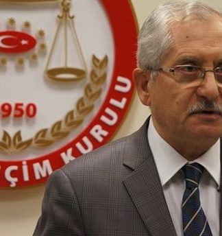 YSK Başkanı Sadi Güven, mühürsüz zarfların ve evet mührünün halkın iradesini yansıttığını ve geçerli sayılacağını söyledi.