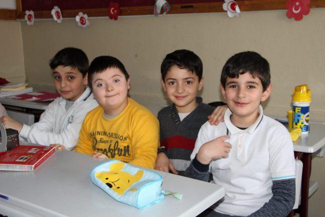 """""""Hepsi Bir İnci"""" projesi: Cerebral Palsy'li öğrencilerin kaynaştırma etkinliği"""