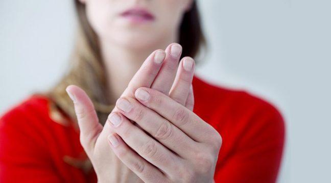 Karpal tünel sendromu kimlerde görülür? Belirtileri neler