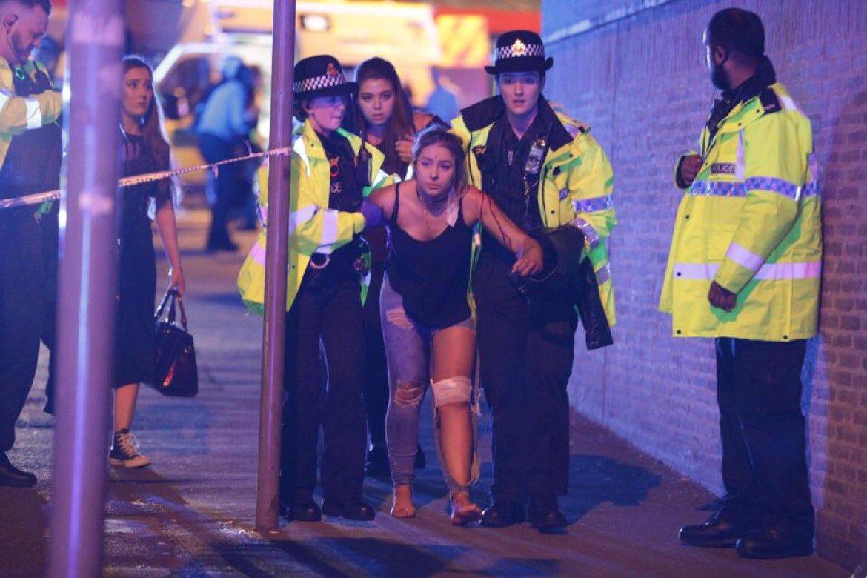 Manchester Arena'da patlama: Ölü ve yaralılar var ariana grande konseri