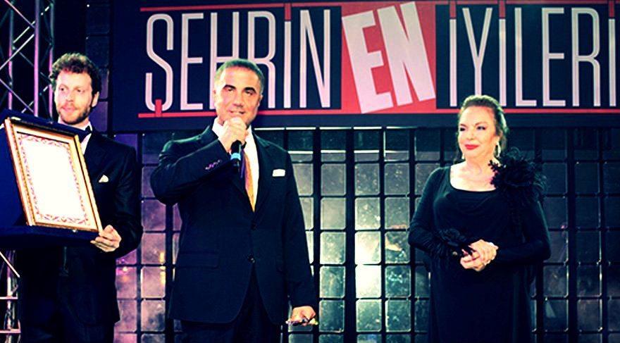"""Sedat Peker, Milliyet gazetesi tarafından düzenlenen Şehrin En İyileri Ödül Töreni'nde """"En hayırsever iş adamı"""" kategorisinde ödül aldı."""