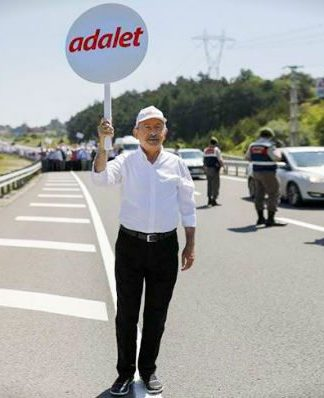Umuda yürüyüş kemal kılıçdaroğlu adalet yürüyüşü gandi