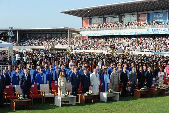 akdeniz üniversitesi mezuniyet töreni 2017