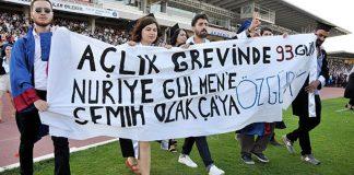 Nuriye Gülmen ve Semih Akça'ya özgürlük pankartı açan öğrencilere gözaltı