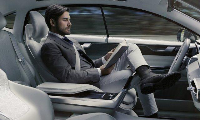 elektrikli şoförsüz araba