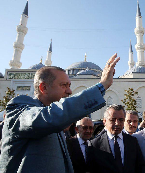 Cumhurbaşkanı Erdoğan kısa süre rahatsızlandı