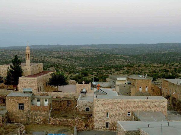Arkah'taki Mor Afrem ve Mor Teodoros Kilisesi