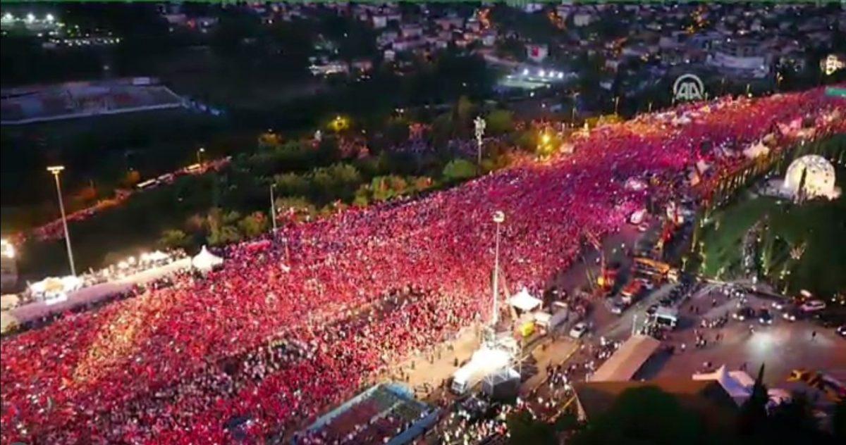 15 temmuz 2017 şehitler köprüsü erdoğan ile ilgili görsel sonucu