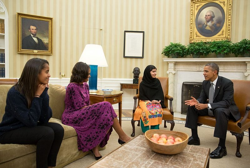 Malala Yousafzai, Oval Ofis'te Barack Obama ve ailesi ile, 2013