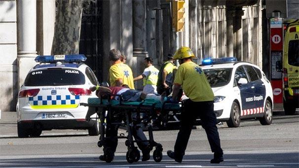 Barcelona'da terör saldırısı: Şok görüntüler las ramblas