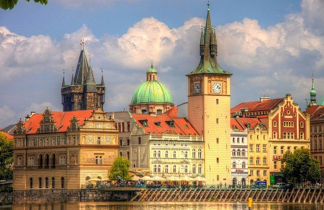 Orta Avrupa tur seyahati ile gitmenin avantajları