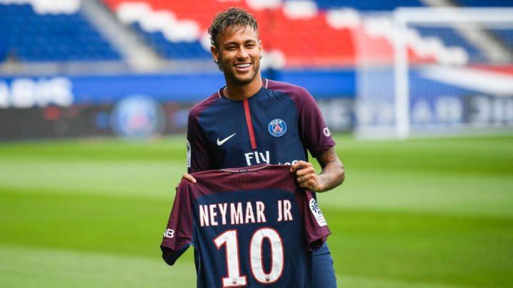 Dünya futbolunda renkli sarsıntılar ve transfer rakamları
