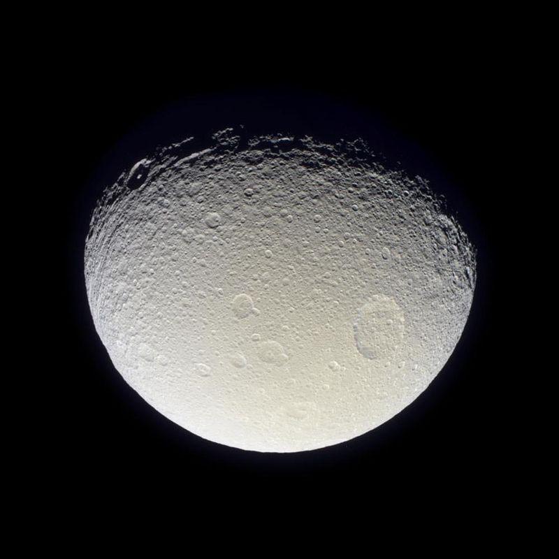 Satürn'ün uydusu Tethys (2005)
