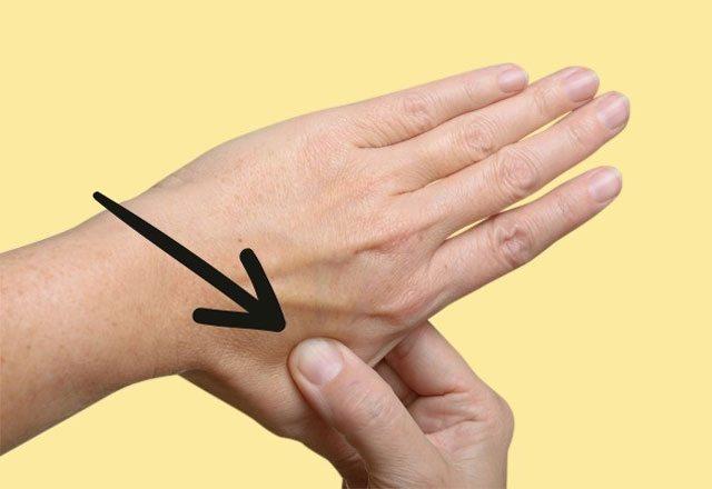 Baş ağrısı ve stresi 30 saniyede geçiren yöntem
