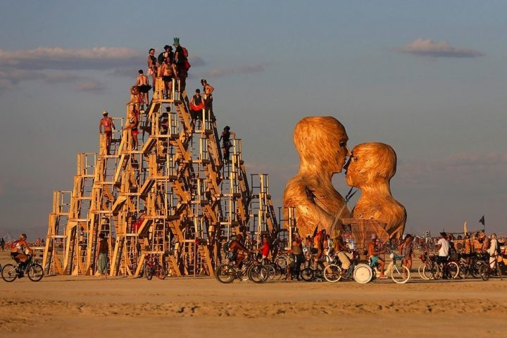 Burning man hippie gelene ini devam ettiren festival - Festival burning man 2017 ...