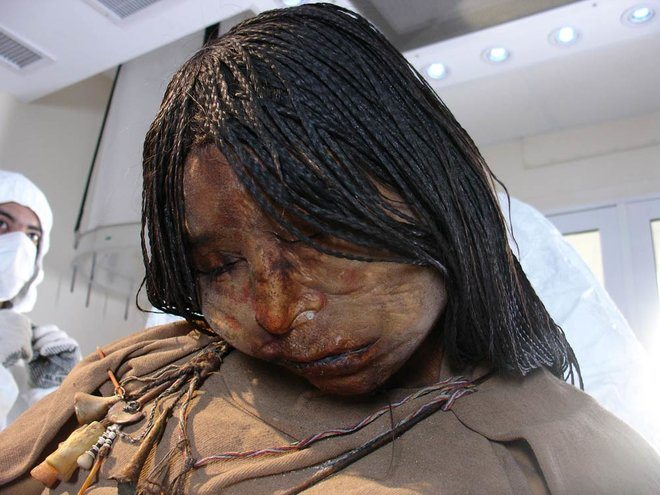 maiden mummy mumya inka
