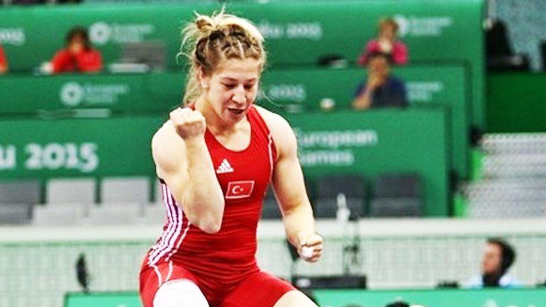 yasemin adar kadınlar dünya güreş şampiyonu