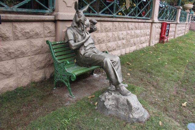 Eskişehir çekirdek çitleyen eşek heykeli yılmaz büyükerşen