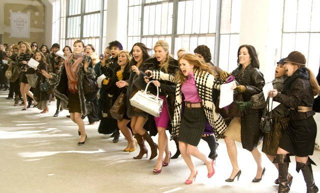 kıyafet seçimi alışveriş kadın moda