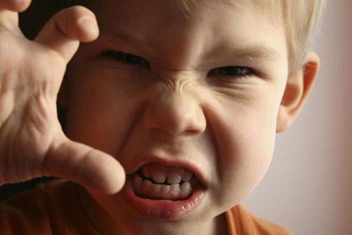 Z kuşağı erken ergenlik döneminde öfke nöbetleri