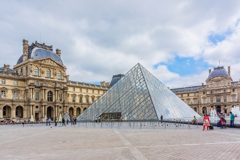 Louvre Müzesi, Paris, Fransa