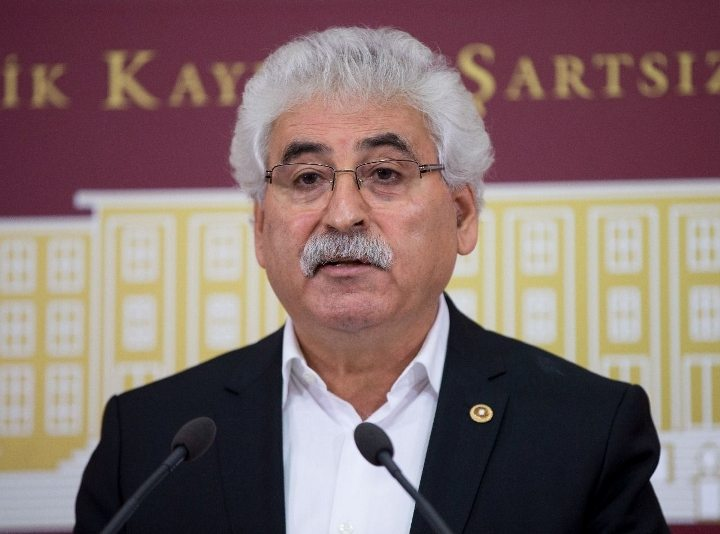 CHP Milletvekili ve Parti Meclisi üyesi Mehmet Tüm