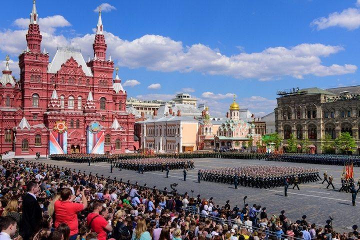 Kızıl Meydan'da Ekim Devrimi kutlaması (Moskova, Rusya)