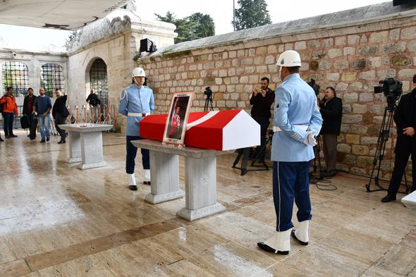Naim Süleymanoğlu son yolculuğuna uğurlanıyor cenaze