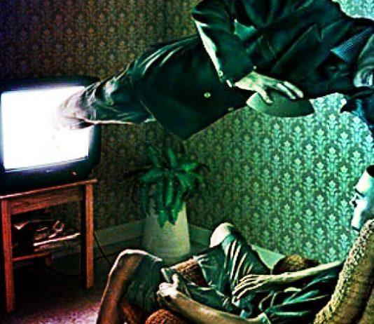 Televizyona bak ve ne olduğunu gör!