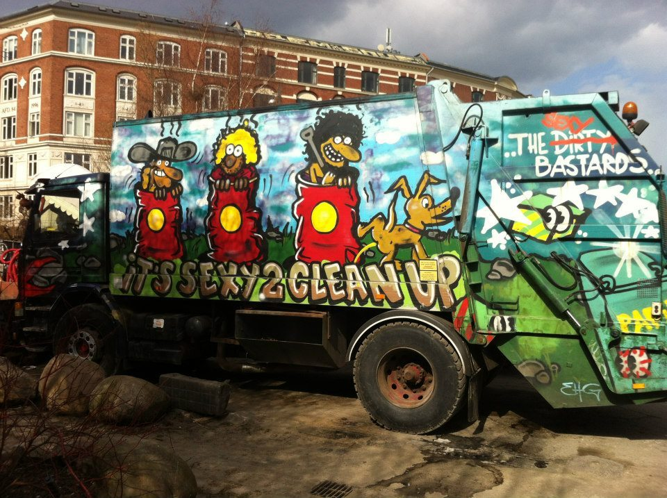 christiania çöp kamyonu graffiti